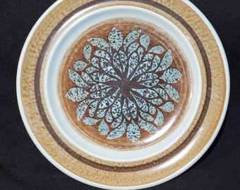 TWO 1970/'s Franciscan Dinner plates in the Nut Tree pattern  Pastel blue back and base with speckled brown flower center design 10 12Wide