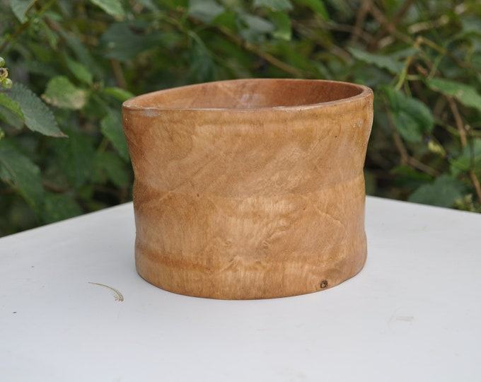 Natural burl OAK Bowls inches 3-5 Round X  3-4 inches High X 3 Inches Deep