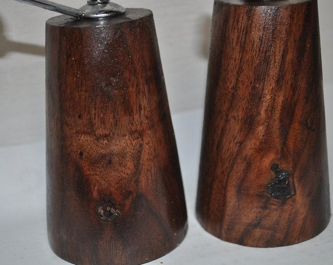 Salt/pepper grinders, Walnut ,CrazyBearUSA