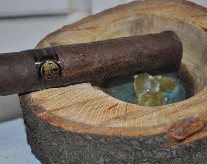 cigar ashtray, oak live edge CrazyBearUSA