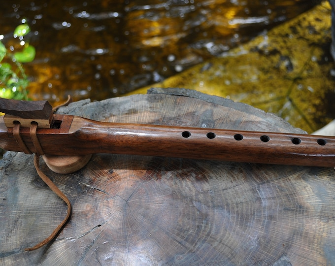 Native American style flute Walnut A scale