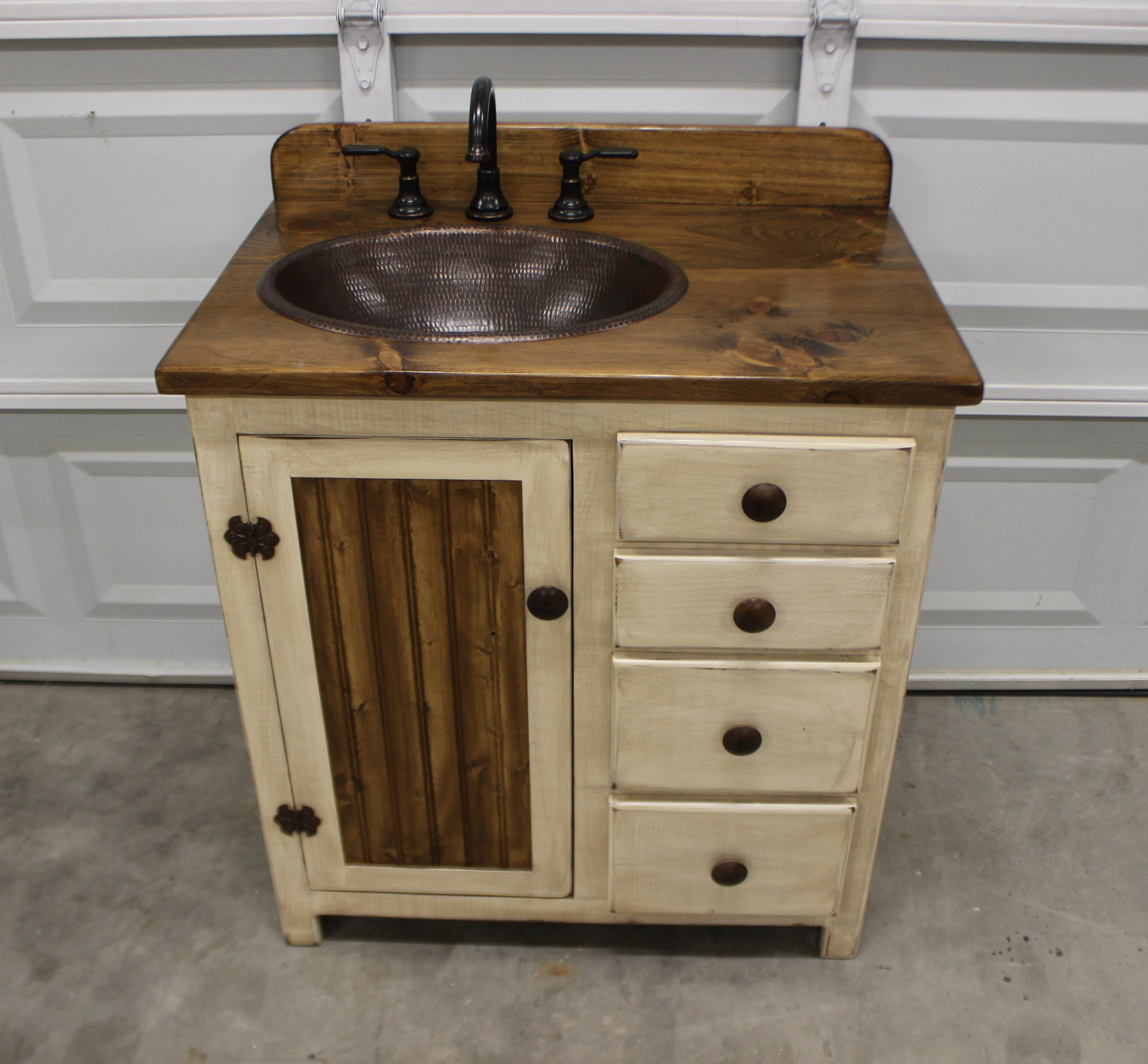 Rustic farmhouse vanity 32 copper sink antique white - Bathroom vanity with farmhouse sink ...