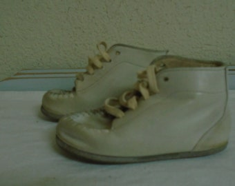 Early 20th Cen. Children High top White Shoes! Very Nice Condition