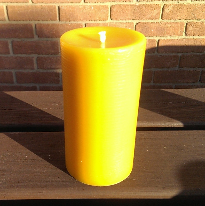 100% Pure English Beeswax Pillar Candle 190x70mm Solid Cast image 0