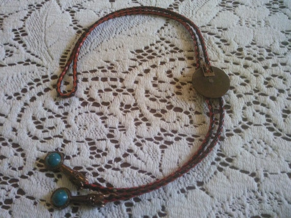 Vintage Bolo Tie - Bolo Style Necklace - Internati