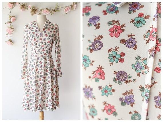 Vintage 1970's Floral Day Dress - Long Sleeved Pol