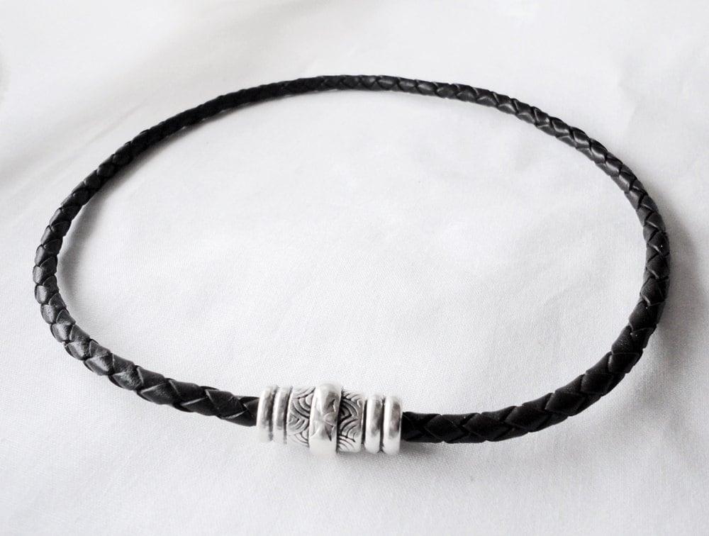9f9097f98fd0 Collar gargantilla para hombre o mujer de cuero trenzado y
