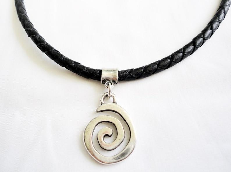 1002df54bd63 Collar de cuero para hombre cuero trenzado con espiral y