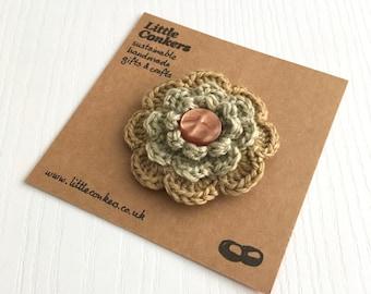 Flower Brooch Gold Amber Green Eco-friendly Organic Wool Handmade Floral Brooch Round Button Brooch Small Gift Stocking Filler Secret Santa