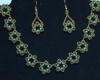 Green Beaded Star Necklace Earring Set