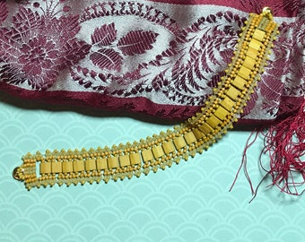 Dark Yellow Link Beaded Bracelet