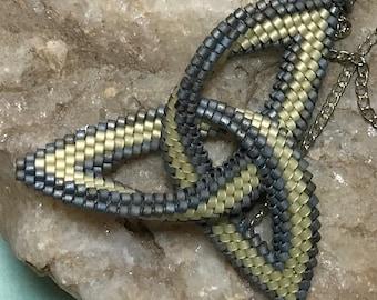 Beadwoven Celtic Knot Pendant Necklace