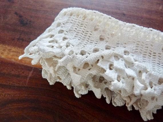 1c: Vintage Français, à à Français, la main au crochet, Ivoire, coton, dentelle, longueur totale 2,50 m x 5cm de large. 476d1a