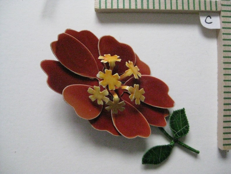 Each Vintage Flower Orange Rust Yellow Aurora Pearl Enamel Gold Brooch Pin Rhinestone