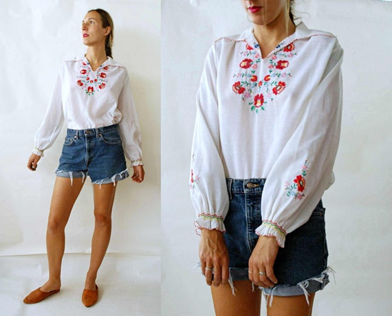 vintage 1970s Hungarian Matyo Floral Embroidered P