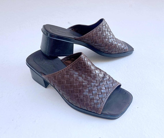 SHOP IS AWAY vintage 1990s Brown Leather Woven He… - image 3