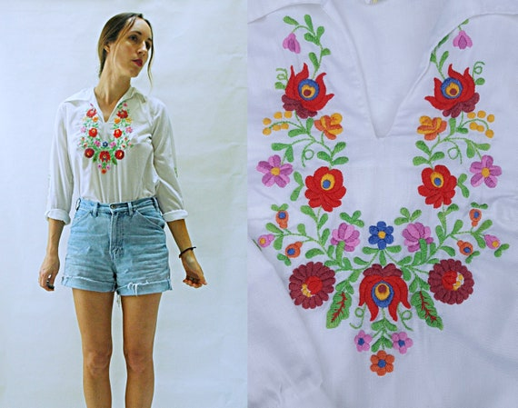 vintage 1970s Hungarian Embroidered Souvenir Peasa