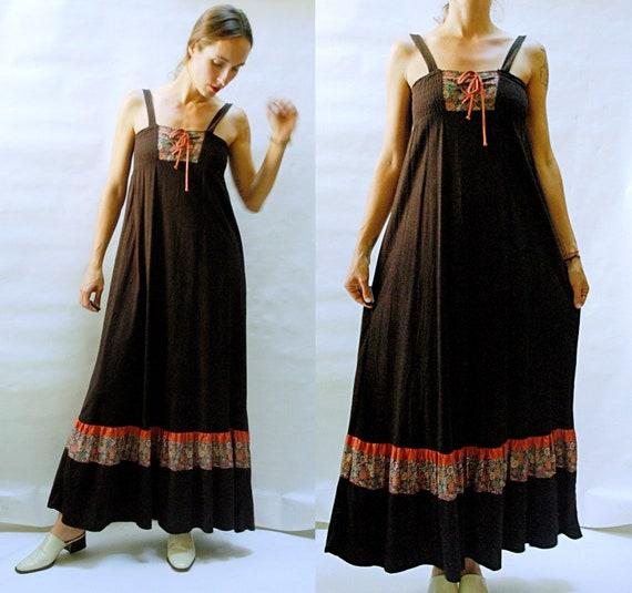 vintage 1970s Bohemian Shirred Bodice Maxi Dress -