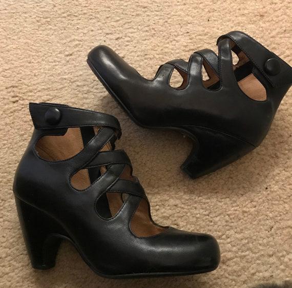 Miz Mooz black leather shoes size 6