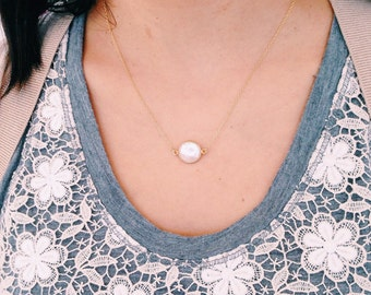 Dainty Short Pearl Necklace