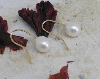 Genuine beaded earrings drop 8-9 mm white