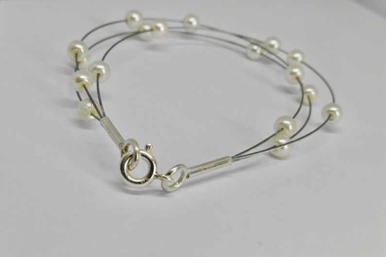 Real beads delicate bracelet made of wire wedding jewelry image 0