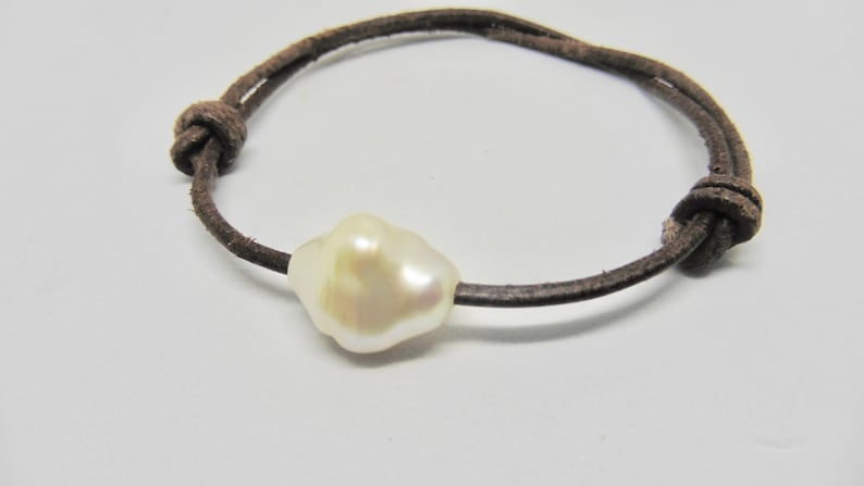 Leather bracelet with large white baroque pearl 14 x 18 mm image 0