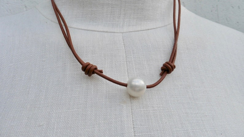 Leather chain with 1 large Edison pearl image 0