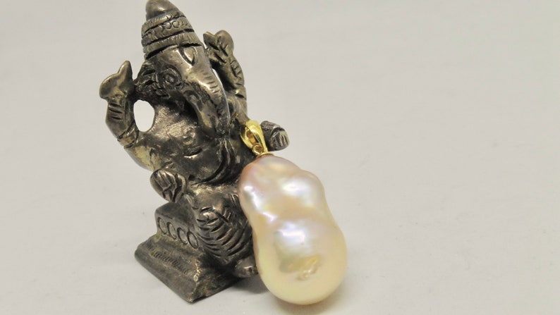Chain pendant baroque pearl beaded pink salmon Edison pearl 15 image 0