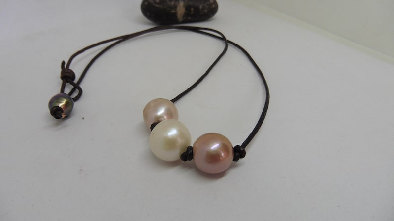Sporty leather necklace with Edison beads summer necklace image 0