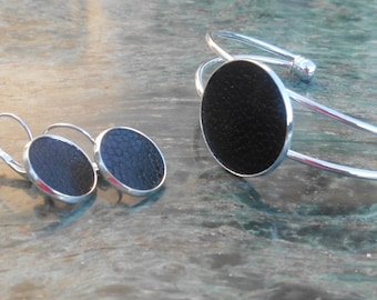 Earrings and bangle in ray leather, distinctive leather jewelry from the stingray, stylish jewelry made of fish skin, recycled