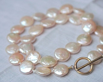 Pearls for wedding jewelry, real pearls with 14 carat gold Clasp