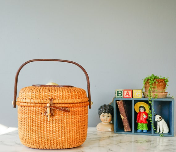 Vintage Wicker Basket Purse/ Vintage Basket/ 1960s