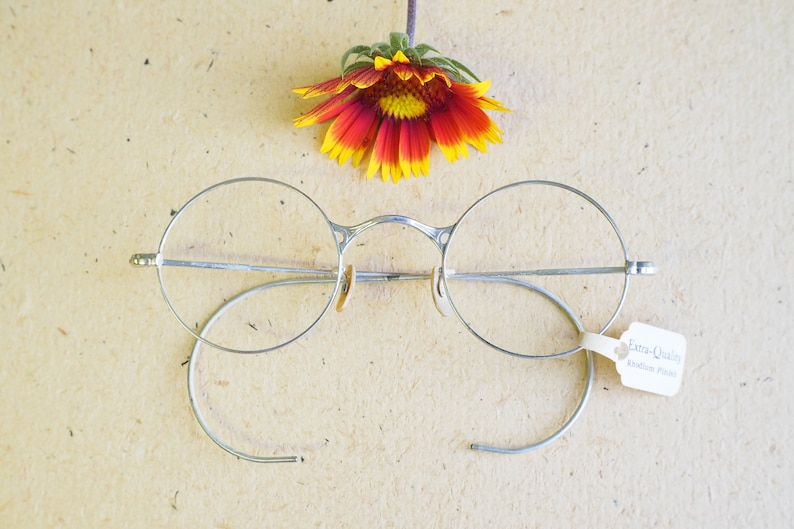 c41ff05dd68a Vintage Eyeglasses 1920s Spectacles Round eyeglass wire