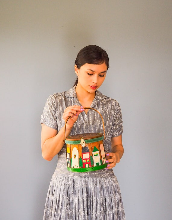 Vintage Wooden Box Purse/ Vintage Purse/ Hard Case