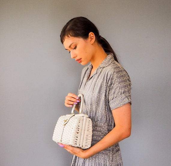 Vintage White Wicker Purse/ Woven Basket Purse/ Wi