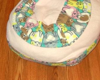 Large Fleece Pet Bed - Machine Washable - Chubby Kitties