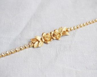 Gold Bridal Belt, Bridal Belt, Gold Wedding Belt, Thin Gold flower Sash, Vintage Style Bridal Sash with Pearls, Floral Bridal Sash, Vintage