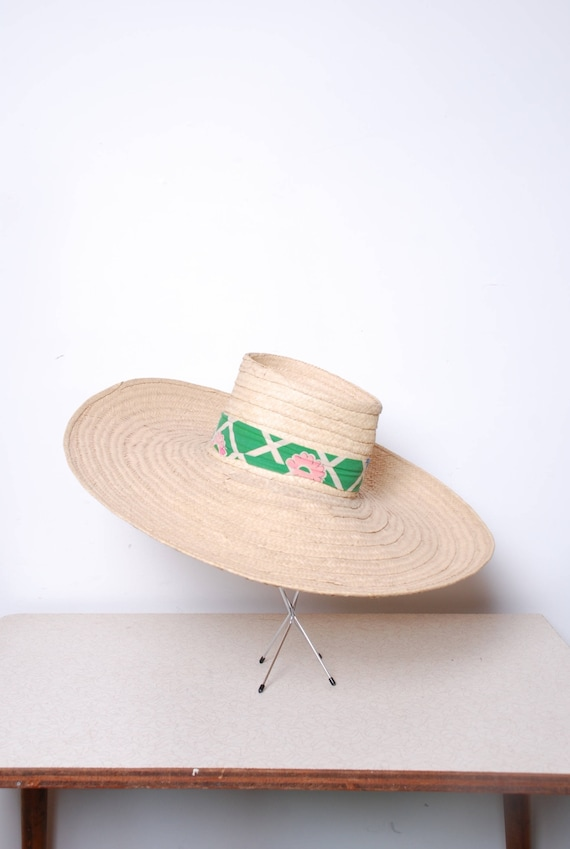 1950s oversized straw sun hat with green and pink