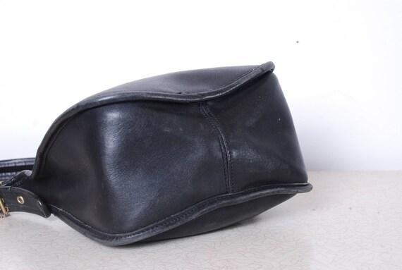 5e317dd09 de los años 80 el entrenador boho de grueso cuero súper blando negro cruz  cuerpo bandolera moneda monedero libro de bolsillo accesorios vintage para  ...