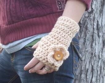 Fingerless gloves with flower