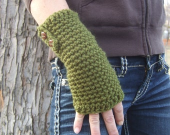 Green fingerless gloves with buttons