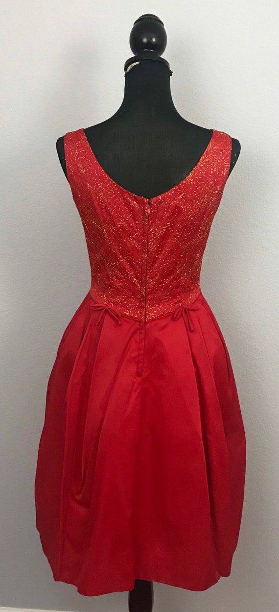 1950s red dress with gold lurex - image 7