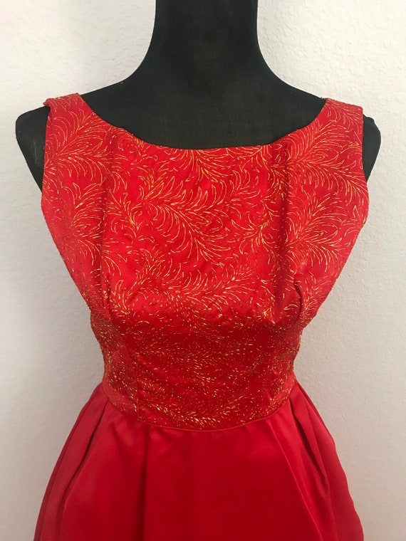 1950s red dress with gold lurex - image 4