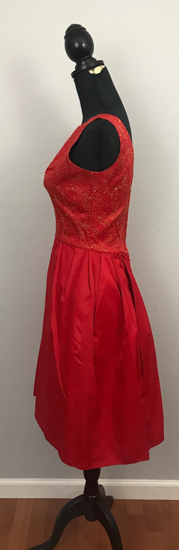 1950s red dress with gold lurex - image 6