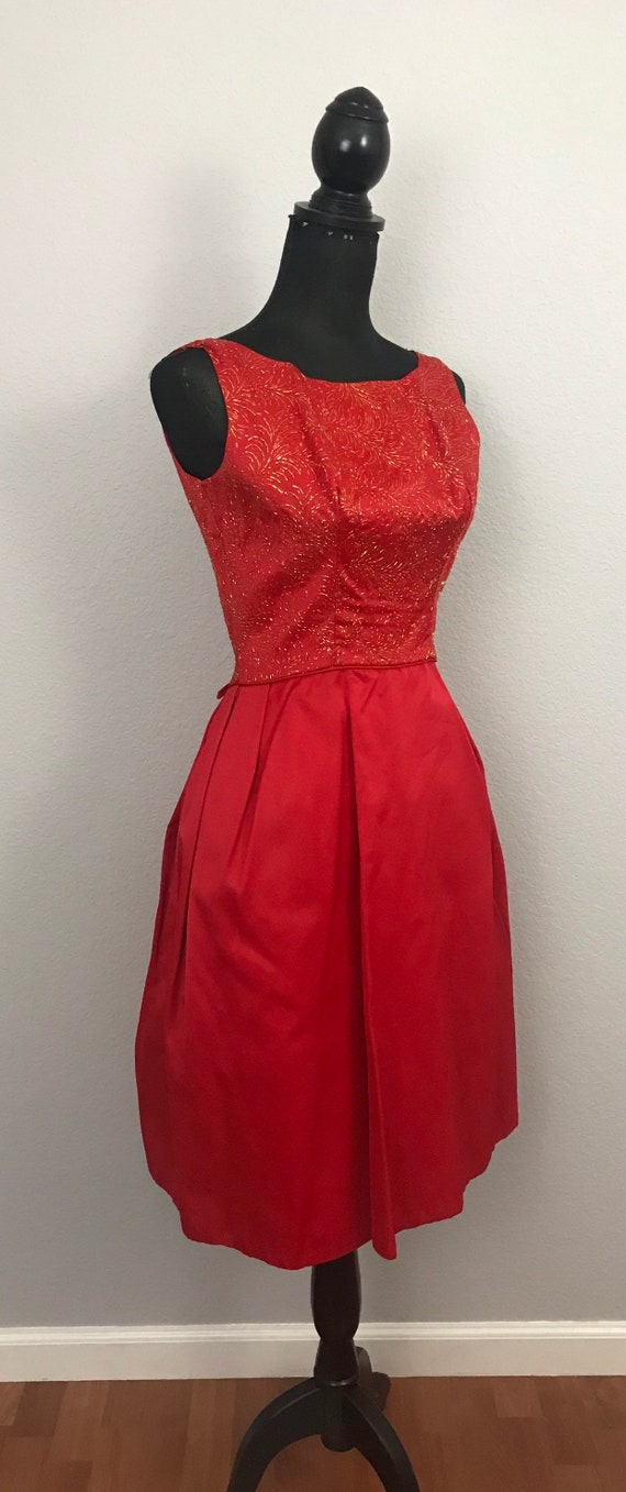 1950s red dress with gold lurex - image 2