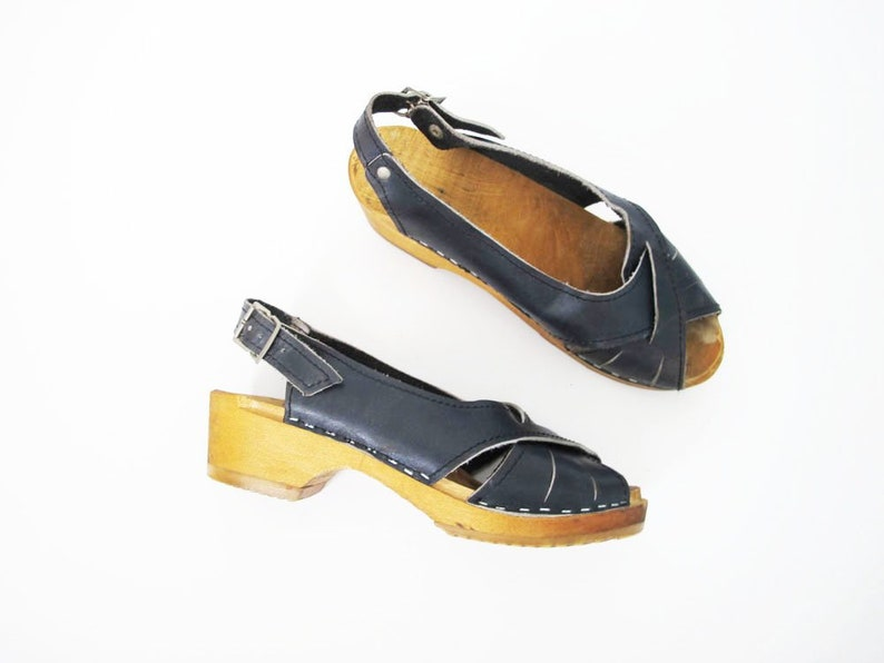 42375b77bf43 Vintage 70s Clogs Leather Clog Heels Blue Strappy Clogs