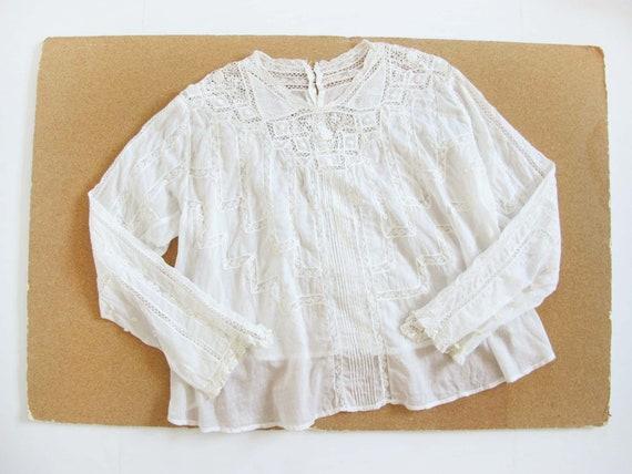 Vintage Edwardian Antique Lace Blouse XS S - Intr… - image 2