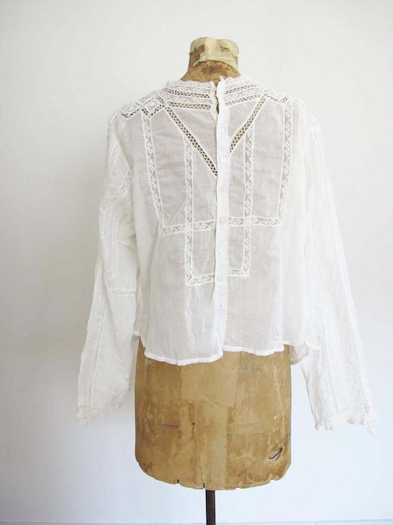 Vintage Edwardian Antique Lace Blouse XS S - Intr… - image 3