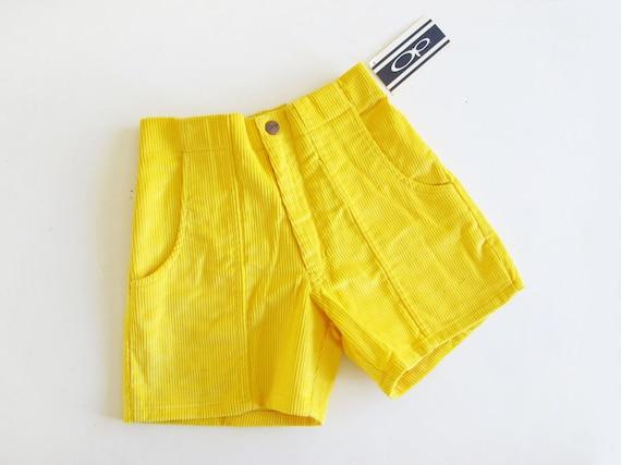 Vintage OP Shorts 22 - 26 xxs - xs Yellow Corduroy